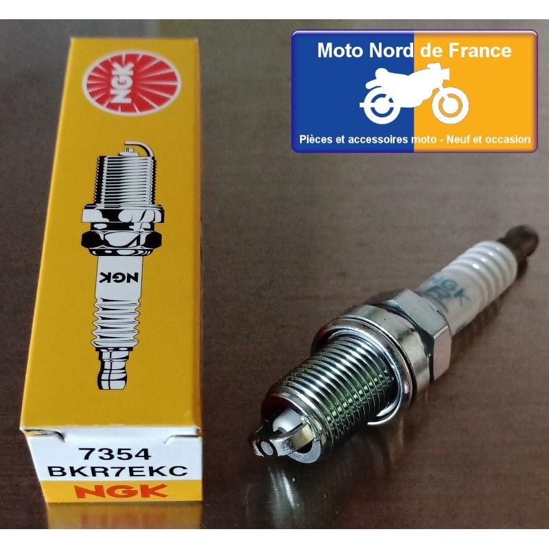 Spark plug NGK type BKR7EKC